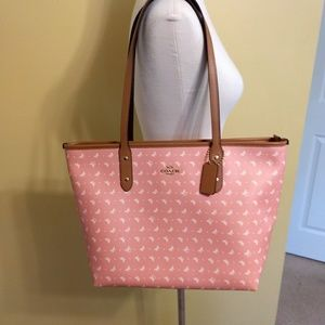 Coach XL NWT blush 🦋 leather purse bag authentic